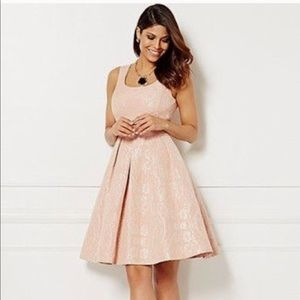 Eva Mendes dress from New York & Company .